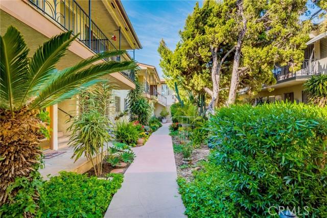 1415 E Appleton Street, Long Beach CA: http://media.crmls.org/mediascn/ec93c13f-788c-46a0-9eb0-e294e98744a0.jpg