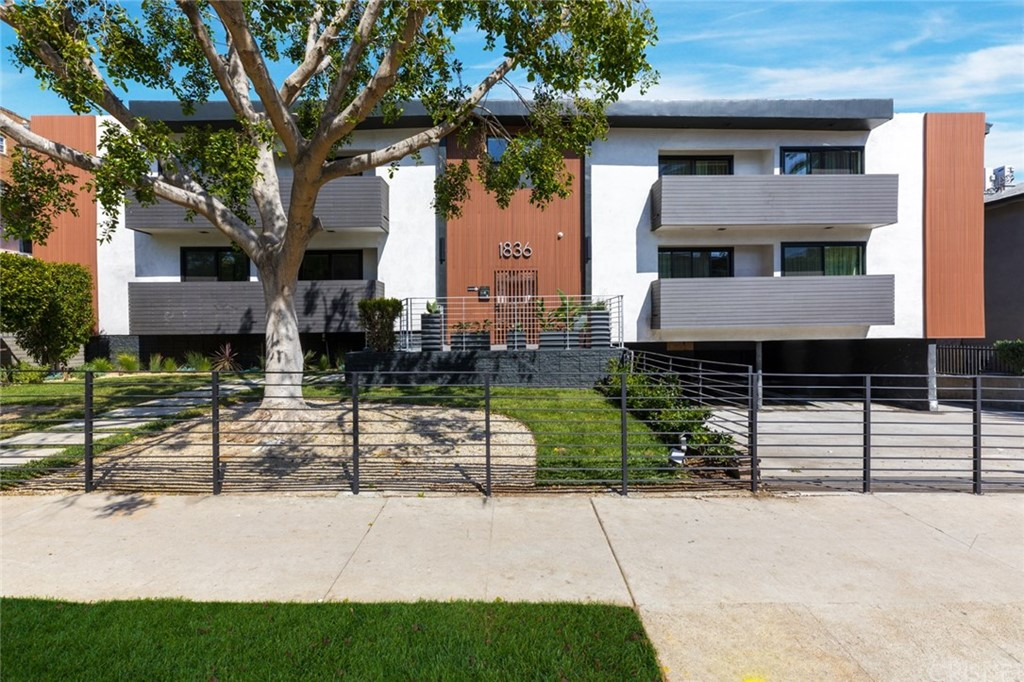 Photo of 1836 North Gramercy Place, Hollywood, CA 90028