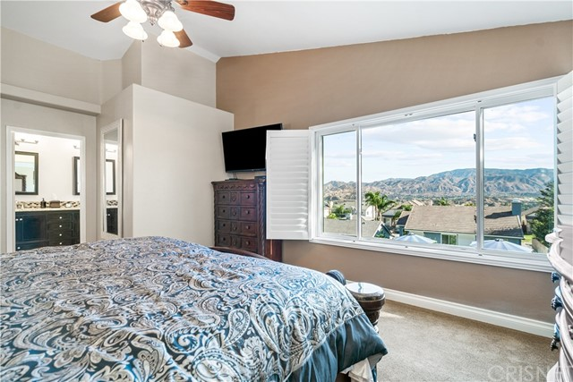 28225 Bel Monte Court, Canyon Country CA: http://media.crmls.org/mediascn/ed077a4a-5bc6-46a6-8873-2038bc49ae5c.jpg