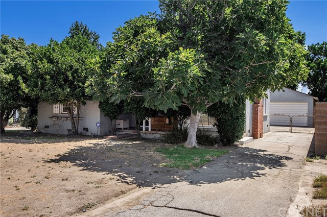 14322 Collins Street, Van Nuys CA: http://media.crmls.org/mediascn/ed103a8d-5406-4287-88f7-5caa66f30879.jpg