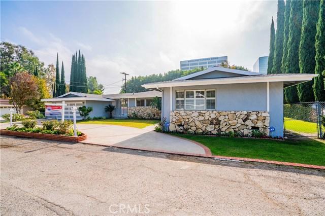 4904 Libbit Avenue, Encino CA: http://media.crmls.org/mediascn/ed68bfeb-b4b2-4da2-b6c9-e9188172d22b.jpg