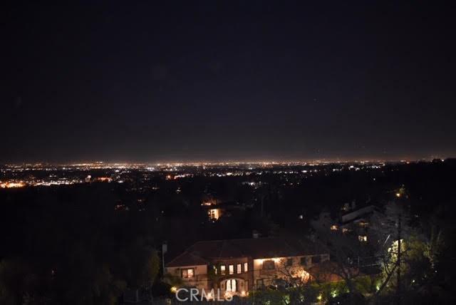 4777 Brewster Drive, Tarzana CA: http://media.crmls.org/mediascn/ed9d1f01-505b-4255-8c0c-fef74d9888dd.jpg