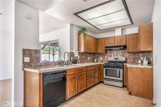 43741 Ponderosa Street, Lancaster CA: http://media.crmls.org/mediascn/edb3f66a-6d30-4f83-985a-e59d33954692.jpg