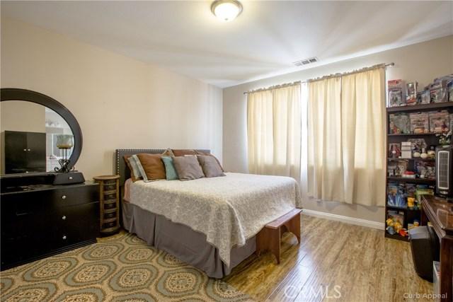 1618 Regents Street, Lancaster CA: http://media.crmls.org/mediascn/edbfae9a-86ee-4111-9964-502ac91f0bd3.jpg