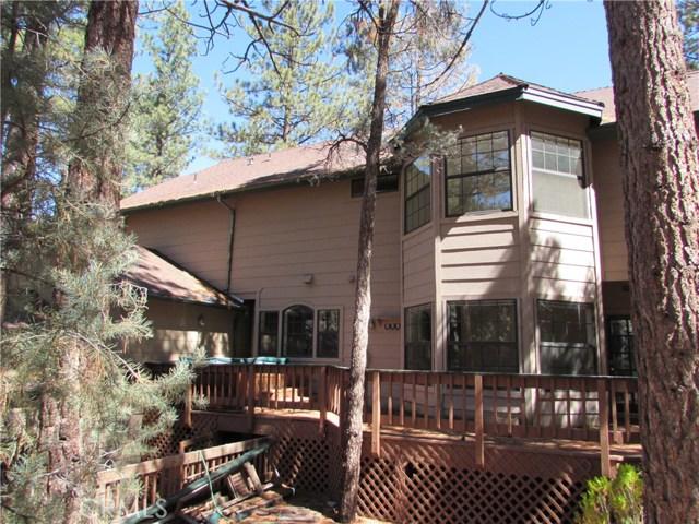 2117 Cypress Way, Pine Mtn Club CA: http://media.crmls.org/mediascn/edc0ee05-56ae-46e2-9503-228d9f8565c1.jpg