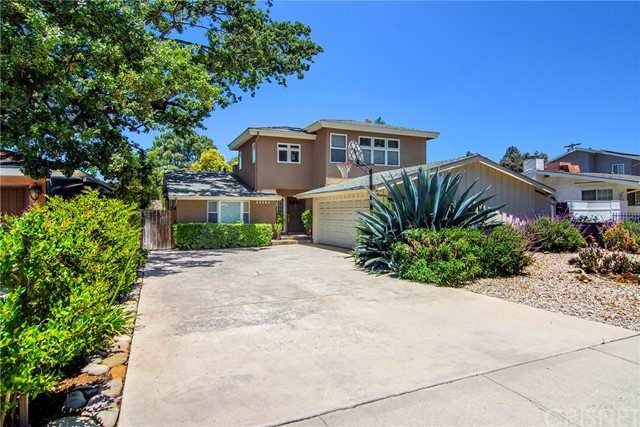 Photo of 21319 Providencia Street, Woodland Hills, CA 91364