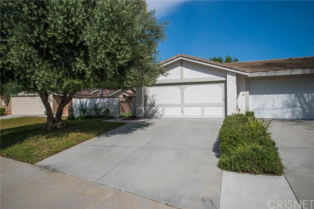 Property for sale at 25958 Palomita Drive, Valencia,  CA 91355