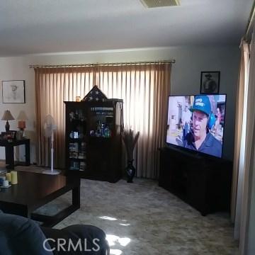 9749 Irene Avenue, California City CA: http://media.crmls.org/mediascn/ee4883f2-fed6-46ac-9a70-a1126d079067.jpg