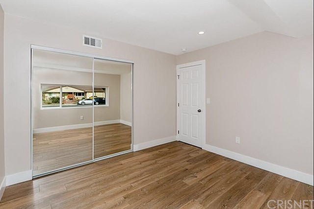 Additional photo for property listing at 834 E Avenida De Los Arboles 834 E Avenida De Los Arboles Thousand Oaks, California 91360 United States