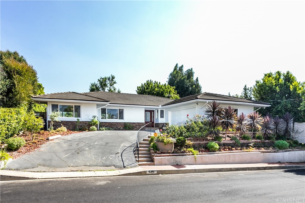 Photo of 438 NORTH ROBINWOOD DRIVE, Brentwood, CA 90049