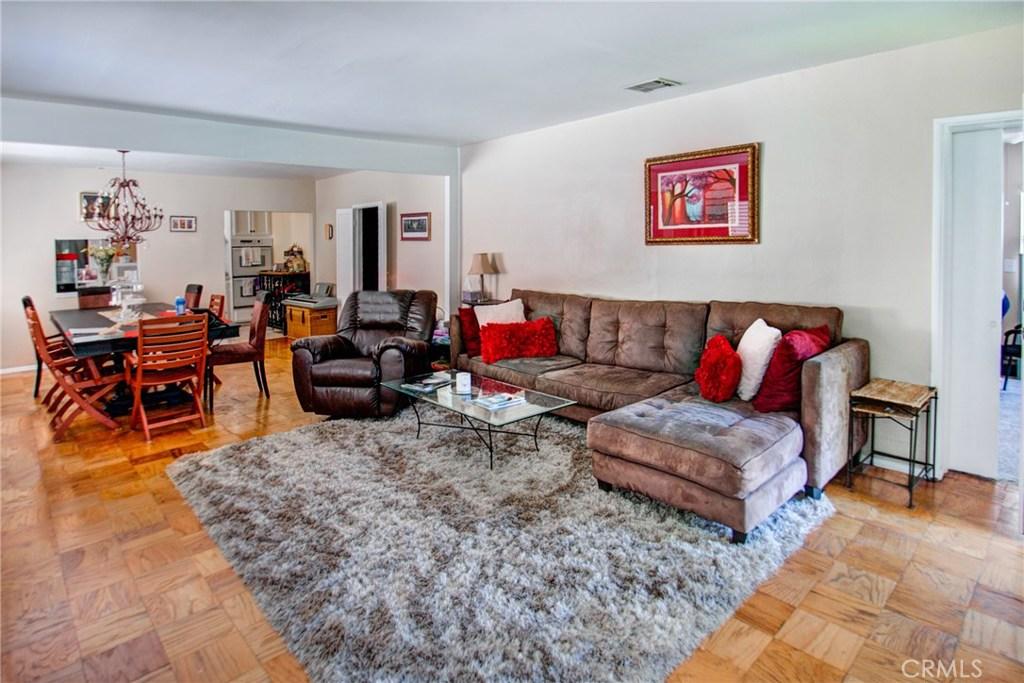 10920 CAMARILLO Street, North Hollywood, CA 91602