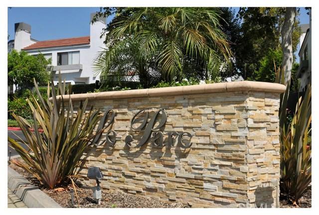1143 Tivoli Lane, Simi Valley CA: http://media.crmls.org/mediascn/eec93a56-35ca-4ca9-9b04-9fb2826ec751.jpg