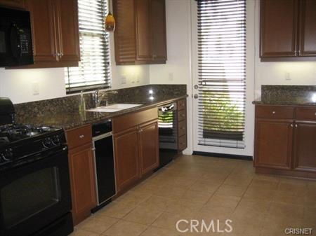 11514 Cararra Lane, Porter Ranch CA: http://media.crmls.org/mediascn/eecad522-1dbd-426a-89c1-0481e9ef2b52.jpg