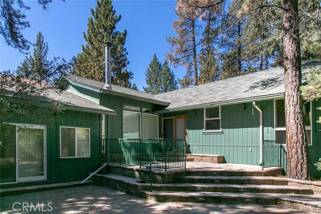 15905 Edgewood Way, Pine Mtn Club CA: http://media.crmls.org/mediascn/ef26897f-3a79-43f0-89d6-6faf0d7dff49.jpg