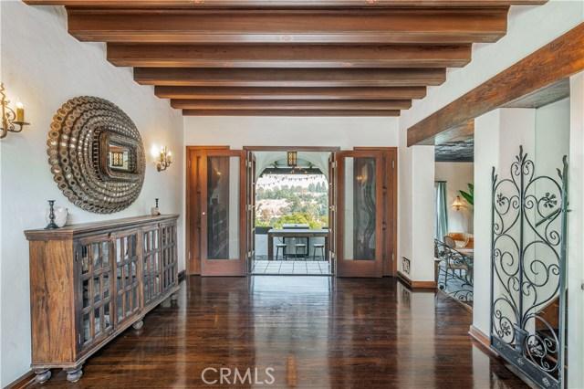 150 Fern Drive, Pasadena CA: http://media.crmls.org/mediascn/ef2ba659-d654-4e10-8dd5-2aa0973f40e4.jpg
