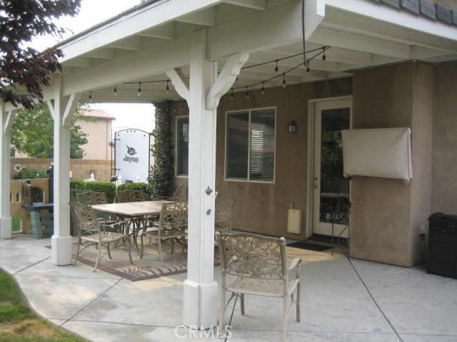 5800 W Avenue K14, Lancaster CA: http://media.crmls.org/mediascn/ef3c35df-6924-4e5c-a5d9-95f6d081fdb4.jpg