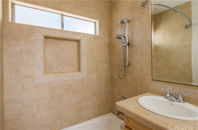 5911 Beckford Avenue Tarzana, CA 91356 - MLS #: SR17138462