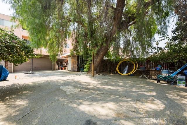 6735 Sylmar Avenue, Van Nuys CA: http://media.crmls.org/mediascn/ef59d038-1e4a-4a84-b4f5-070dfe611047.jpg