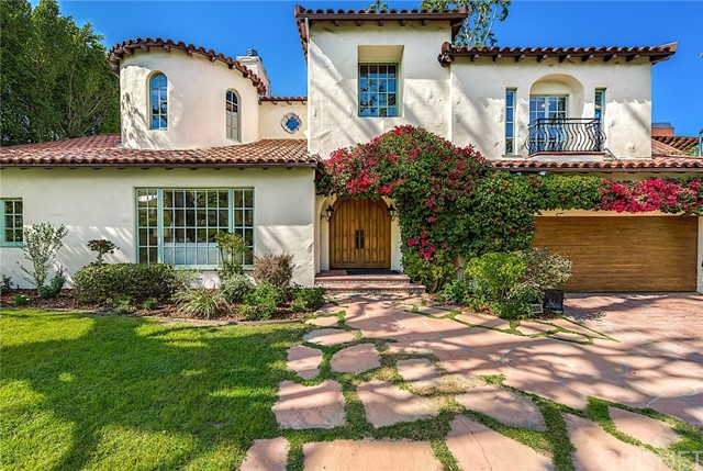 11555 Dilling Street Studio City, CA  is listed for sale as MLS Listing SR18101415