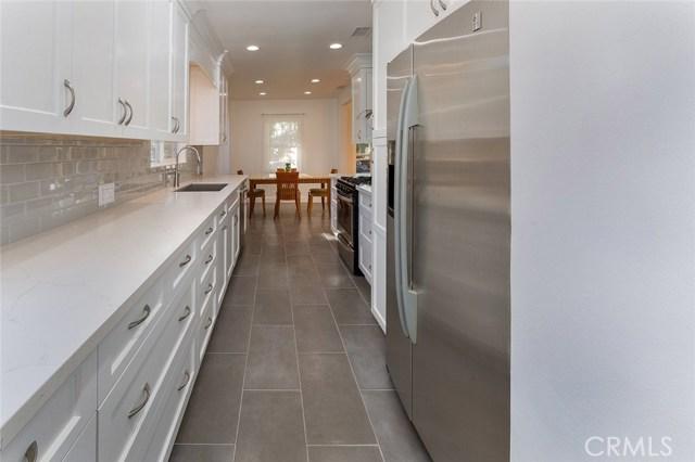 6034 Morella Avenue, North Hollywood CA: http://media.crmls.org/mediascn/eff0fead-6c8e-4a29-a70c-7397b577c30e.jpg