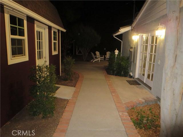 10836 Chimineas Avenue, Porter Ranch CA: http://media.crmls.org/mediascn/efffbd34-5f54-4af6-9812-25a95476864a.jpg
