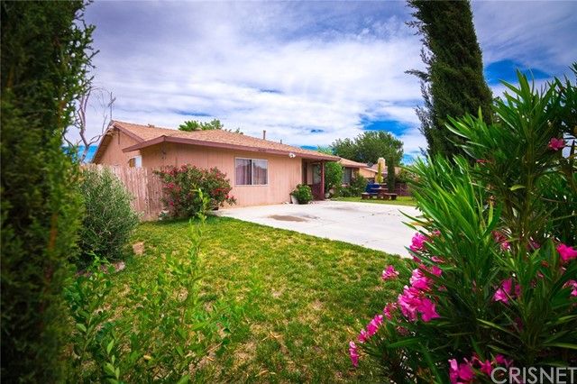 Single Family Home for Sale at 40190 179th Street Lake Los Angeles, California 93591 United States