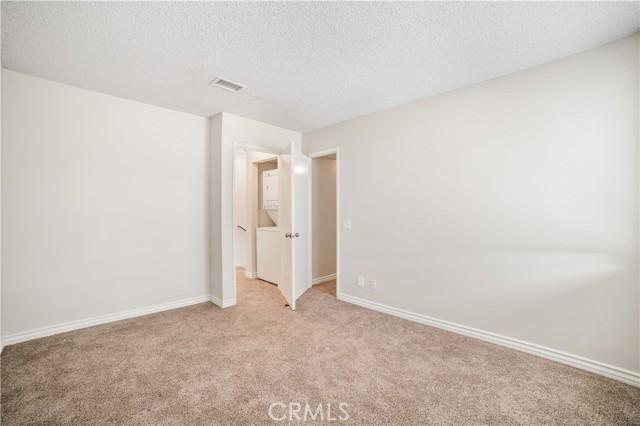 74 Maegan Place, Thousand Oaks CA: http://media.crmls.org/mediascn/f0190b5d-302f-4702-b718-48b5598444c5.jpg