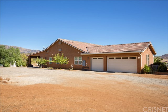 Single Family Home for Sale at 34545 Juniper Valley Road Acton, California 93510 United States