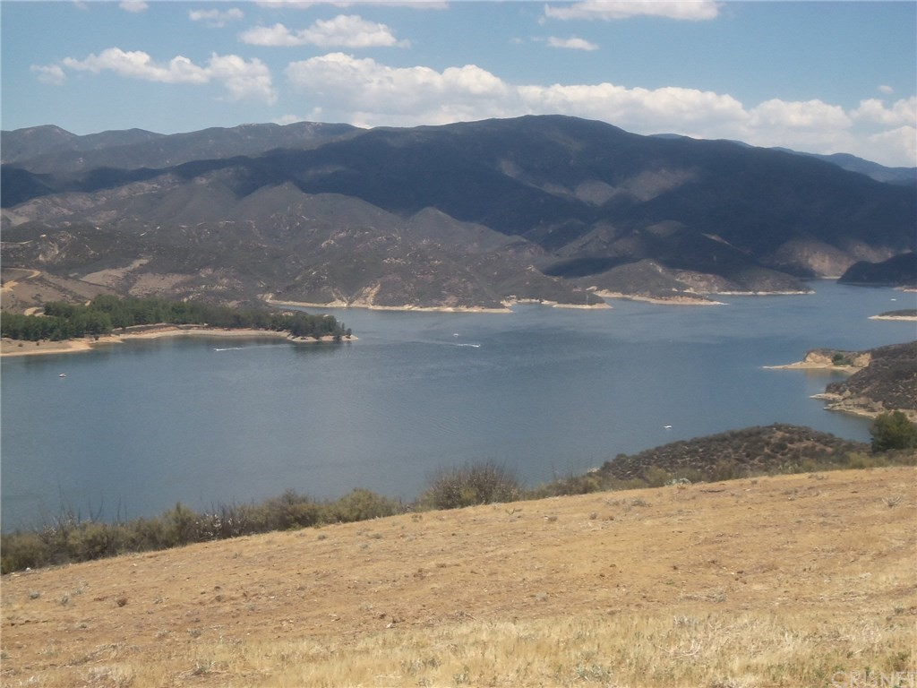 Property for sale at 31908 Gelding Road, Castaic,  CA 91384