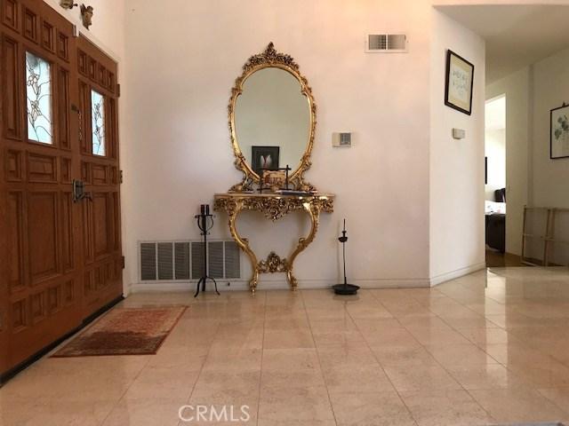 17806 Arvida Drive, Granada Hills CA: http://media.crmls.org/mediascn/f0ed8437-61e3-43ea-9f24-09993d99395d.jpg