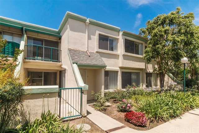18532 Mayall Street F, Northridge, CA 91324