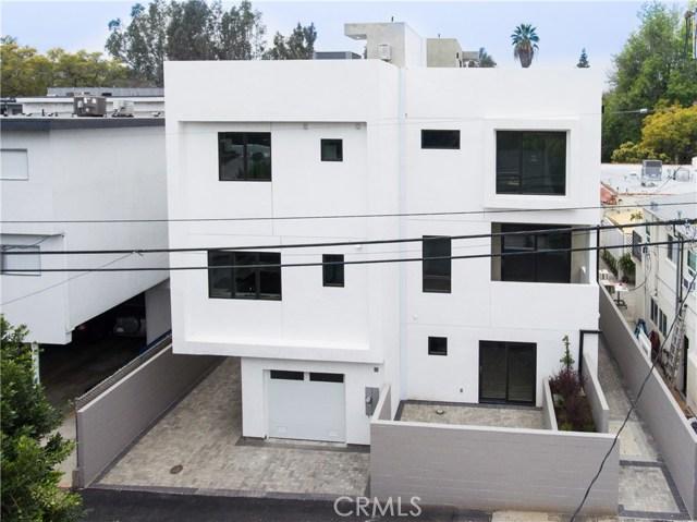 4222 1/2 Gentry Avenue, Studio City CA: http://media.crmls.org/mediascn/f13bc5b1-27cf-4a38-bd01-cb158fab5d06.jpg