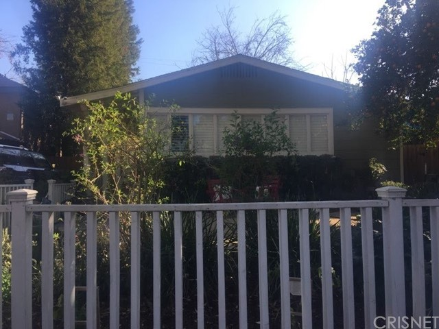 Photo of 22126 De La Osa Street, Woodland Hills, CA 91364