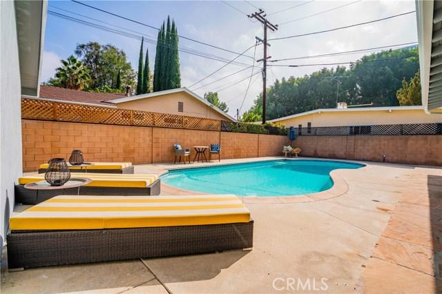 4904 Libbit Avenue, Encino CA: http://media.crmls.org/mediascn/f18045dd-402a-4bc2-9602-381b70a78be1.jpg