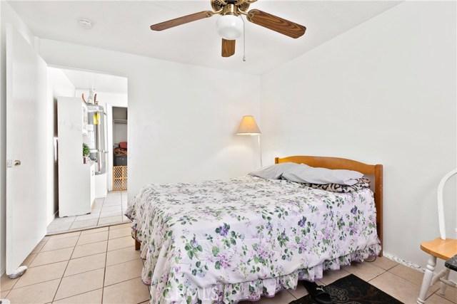 3391 Haven Street, Rosamond CA: http://media.crmls.org/mediascn/f1940972-66b9-4dcb-973a-41d6f69b4478.jpg