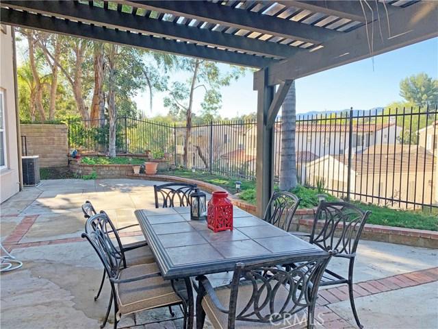 26915 Augusta Place, Valencia CA: http://media.crmls.org/mediascn/f1b3c943-6c96-4fcd-b95d-a6fa13a4fe08.jpg