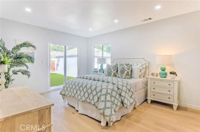 14601 La Maida Street, Sherman Oaks CA: http://media.crmls.org/mediascn/f1def5e7-4cd6-491a-9d50-047678a6f523.jpg