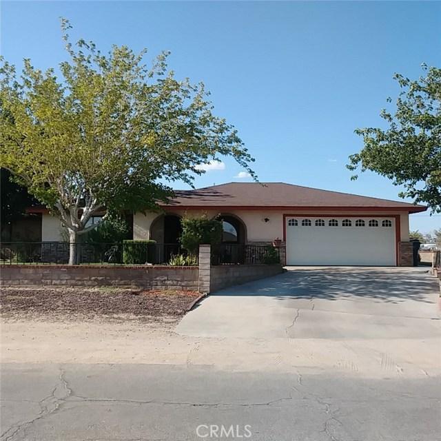 9749 Irene Avenue, California City CA: http://media.crmls.org/mediascn/f208ae88-3710-4f4c-b261-bb77ea502f65.jpg