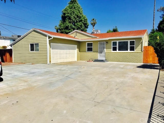 Single Family Home for Rent at 21059 Saticoy Street Canoga Park, California 91304 United States