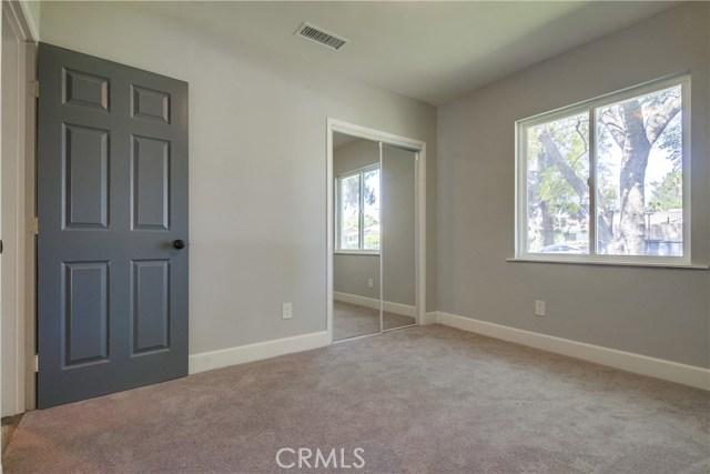 10426 Yolanda Avenue, Northridge CA: http://media.crmls.org/mediascn/f2347290-abd8-4231-8fb9-3069fbb51674.jpg