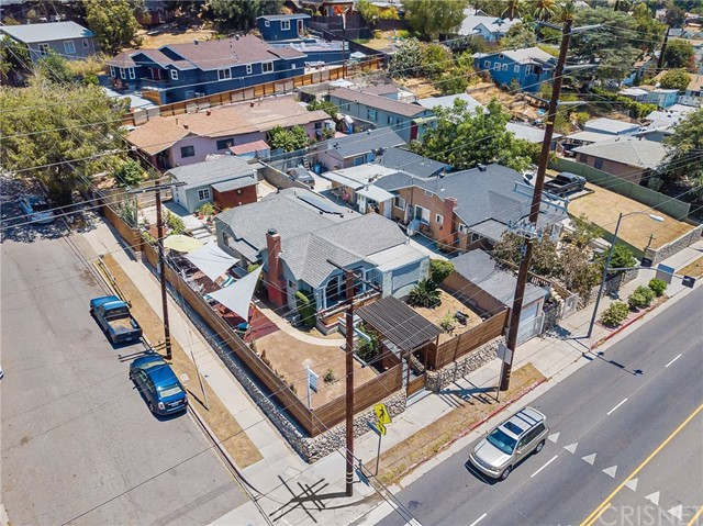 7132 N Figueroa Street, Eagle Rock CA: http://media.crmls.org/mediascn/f249e72a-fbdf-4ce1-aa0f-9fa2901f56e9.jpg