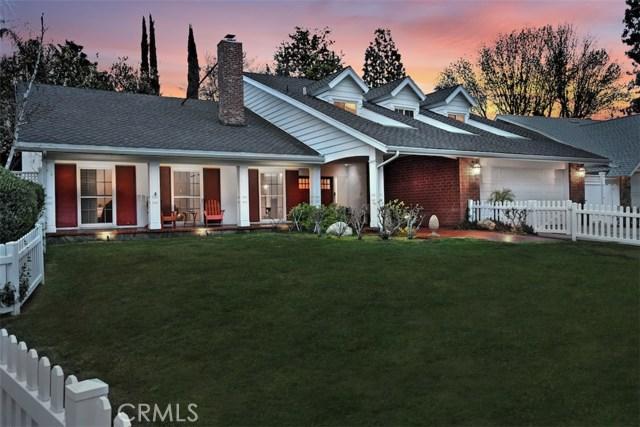 4838 Quedo Place, Woodland Hills CA: http://media.crmls.org/mediascn/f24ba9ec-85e6-4fcb-ad54-42aeb10b5b7f.jpg