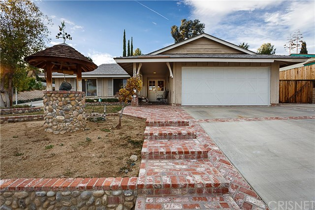 Property for sale at 28205 Oaklar Drive, Saugus,  CA 91350