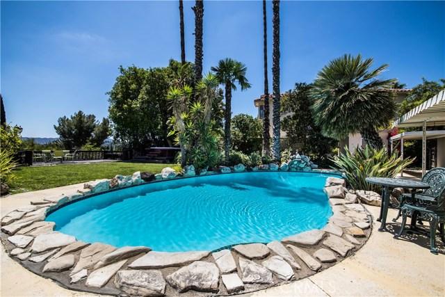 5814 Mcdonie Avenue, Woodland Hills CA: http://media.crmls.org/mediascn/f29f495f-76ef-4165-9258-83948e2d4b35.jpg