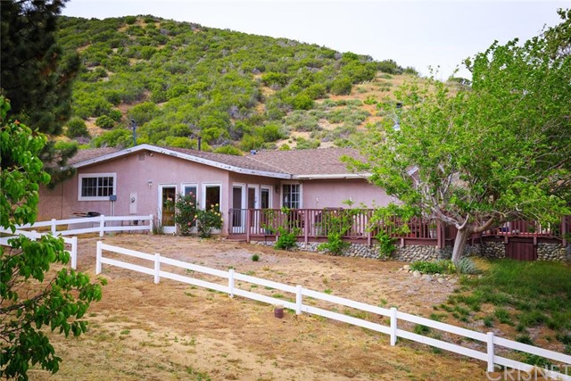 Single Family Home for Sale at 40201 107th Street W Leona Valley, California 93551 United States