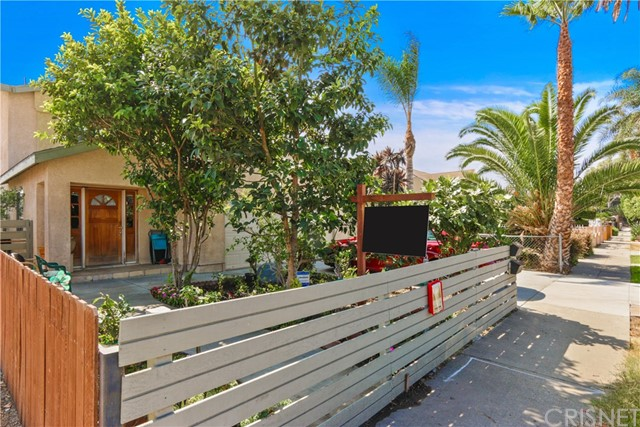 2350 S Cloverdale Av, Los Angeles, CA 90016 Photo 2