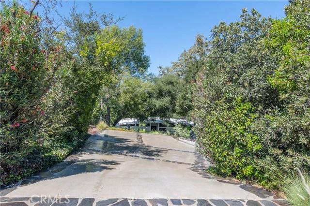 22133 Mulholland Drive, Woodland Hills CA: http://media.crmls.org/mediascn/f2ff3f2f-e234-43f7-bdb2-455b30ae1a01.jpg