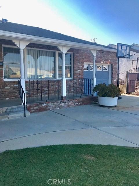 6857 Quakertown Avenue, Winnetka CA: http://media.crmls.org/mediascn/f31b8504-a372-48aa-a3fa-fde31e11980c.jpg
