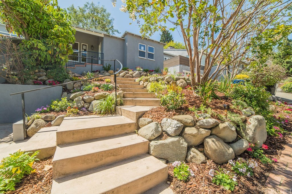 3154 BARBARA Court, Los Angeles (City), CA 90068