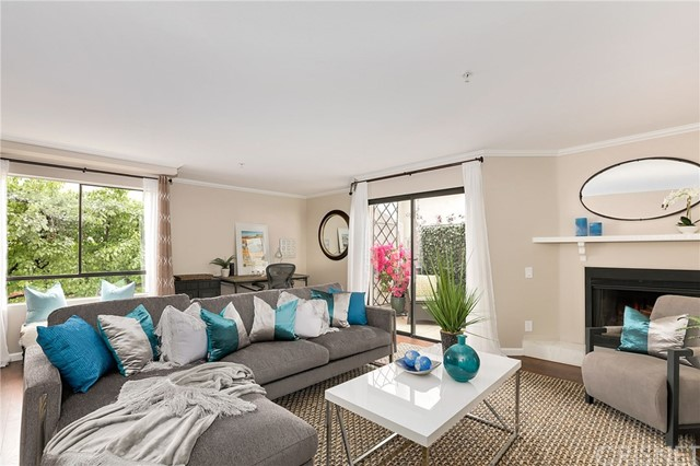 Townhouse for Sale at 322 Mentor Avenue S Pasadena, California 91106 United States